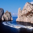 Massacesi: «Il porto turistico di Capri ospiterà tutte le imbarcazioni iscritte fino ai 35 metri» NAPOLI – Napoli per un intera mattinata è stata al centro dell'attenzione del mondo della vela, con la presentazione ufficiale della «Rolex Capri Sailing Week […]