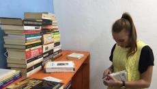 L'hanno chiamato 'BOOK IN AIR' il flash mob organizzato dai ragazzi di Adda Passà 'a Nuttata Onlus per inaugurare una nuova biblioteca di quartiere al Rione Sanità che nasce in un bene confiscato alla Camorra. 100 ragazzi travestiti da Babbo […]